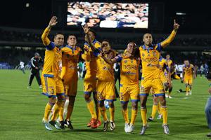 13 de diciembre | Liga MX. En una final de infarto, los Tigres de la UANL conquistaron su cuarto título del futbol mexicano al derrotar en penales a los Pumas de la UNAM.