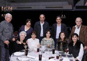 16122015 Ricardo, Elisa, Agustín, Andrés, Alejandro, Soledad, Ana Rosa, Coco, Gaby y Soledad.