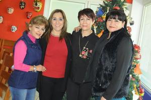 16122015 Azu, Vicky, Adriana y Lorena.