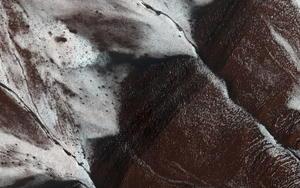 28 de septiembre | Descubrimiento. La NASA descubre la existencia de corrientes de agua salada en la superficie de Marte.