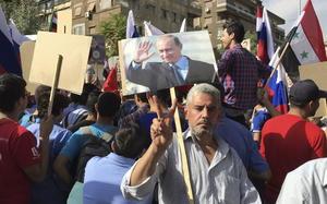 13 de octubre | Ataque. Rebeldes sirios atacan la embajada de Rusia en Damasco.