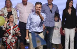 22 de noviembre   Elecciones. Mauricio Macri es electo como presidente de Argentina.