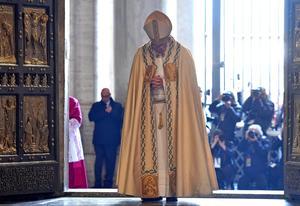 8 de diciembre | Jubileo. El papa Francisco da inicio al Jubileo de la misericordia.