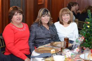 18122015 Yasmín, Rosavelia y Marisela.