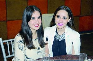 17122015 AMIGAS.  Andrea Llamas y Ana Reza.