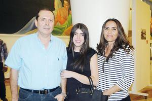 17122015 EN UNA CONFERENCIA.  Eduardo Mercado, Marisela Ríos y Anet Mercado.