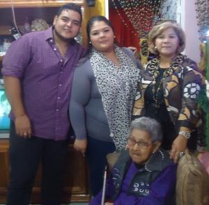 17122015 Gaby, Michelle, Luis Ángel, Vanessa y Bob.