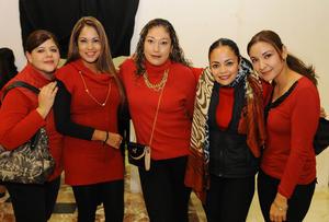20122015 EN RECIENTE EVENTO.  Maritere, Brenda, Rocío, Caro y Dalia.