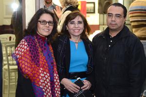 19122015 María de Lourdes Madrigal, Gerardo Kleinburg y Gustavo Guerrero.