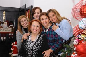 21122015 Paty, Magda, Ángeles, Leny y Tita.