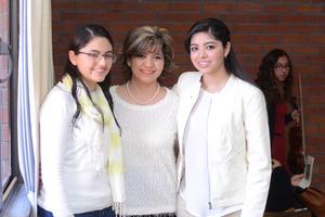 20122015 Luz Alejandra, Luz Elena y María Fernanda.