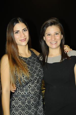 21122015 POSAN PARA LA FOTO.  Susana y Sofía Alonso.