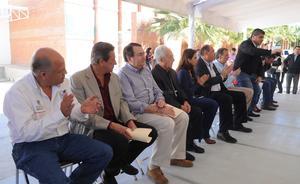El secretario acudió a la ampliación del Banco de Alimentos de Cáritas y encabezó la firma del acuerdo Por un Coahuila sin pobreza.