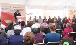 El alcalde de Torreón, Miguel Ángel Riquelme, también acudió al evento.
