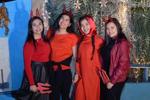 23122015 Brenda, Naiby, Majo y Gaby.