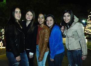 23122015 Gaby, Sofi, Ana Lucía, Mary Fer y Luisa.