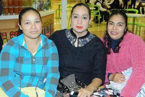 23122015 Alejandra López, Yessica Fabiola Pérez e Hilda Lizeth Puente.