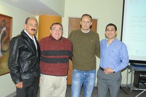 23122015 Alfonso Cambero, Vicente David Treviño Navarro y Fernando Rafael Martínez con Christian Gärther.