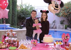Con sus papás, Luis y Beatriz