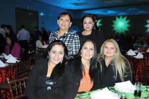 Julia Robles, Roxana Grajales, Teresa Hernández, Susana Luna y Rosalia Acosta