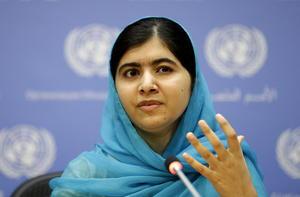 La activista y ganadora del Premio Nobel de la Paz, Malala Yousafzai, fue la segunda mujer más admirada en el conteo.