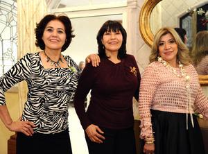 26122015 Mary Ruiz, Monse Fuentes y Elida Guel.
