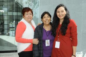 26122015 María Teresa, Mary y Tania.