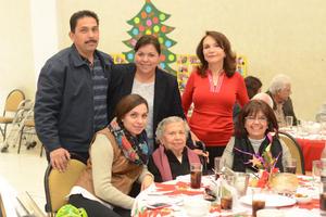 28122015 Manuel, María Elena, Frida, María Elena, Pinita y Tere.