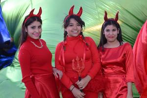 28122015 Laura, Areli y Majo.