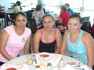 25122015 Karo, María y Sergio.