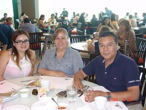 25122015 Yazmín, Guadalupe y Cristina.