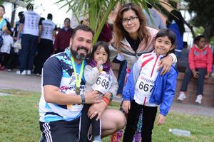 28122015 EN FAMILIA.  Manuel, Tania, Zoe y Nicole.