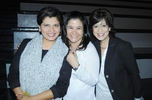 28122015 AMIGAS DE LAS AULAS.  Aracely, Claudia y Mónica.
