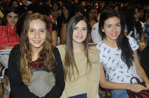 28122015 ASISTEN A CONGRESO.  Zoraya, Valeria y Paola.