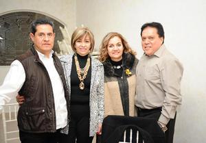 28122015 EN PAREJAS.  Jorge, Vero, Rosy y Gerardo.