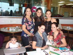 28122015 Isabela, Diana, Karla, Loreley, Kathilia y Nena.