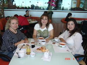 28122015 Ángeles, Carmen y Blanca Rodríguez.
