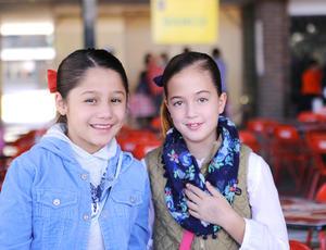 24122015 MUY LINDAS.  Melisa y Luciana.