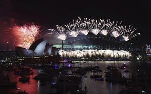 El puerto de Sídney en Australia demostró porque es de los grandes en las celebraciones de año nuevo.