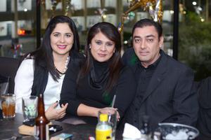 31122015 Ricardo, Any y Vanessa.