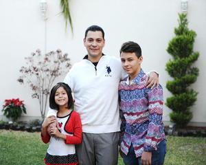 31122015 Arlette, Moni y Salvador.