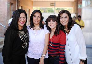 31122015 REUNIÓN DE EXALUMNOS.  Rocío, Claudia, Ángeles y Luly.