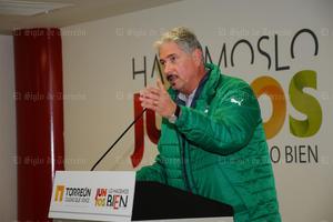 Alberto Canedo, Vicepresidente de Santos Laguna, dirigió unas palabras a los jóvenes jugadores.