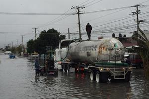 Encharcamientos y la interrupción de algunos servicios dejó como saldo la lluvia que se registró el pasado fin de semana en esta ciudad.
