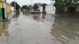 En Gómez Palacio, las colonias más vulnerables a inundaciones fueron auxiliadas con motobombas y pipas de agua; llovieron 33 milímetros los dos primeros días del año.