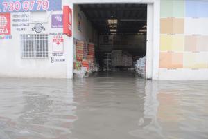 Las lluvias dejaron inundaciones en algunas colonias de Torreón.