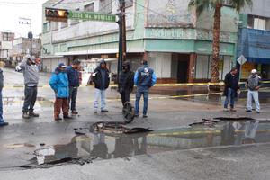 A pesar de los hundimientos que se registraron la avenida Morelos, el director de Obras Públicas de Torreón negó que se deban a la mala calidad en las obras, ya que aún no están terminadas.
