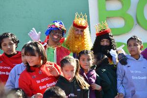 Los Reyes Magos no podían faltar al evento organizado por el DIF.