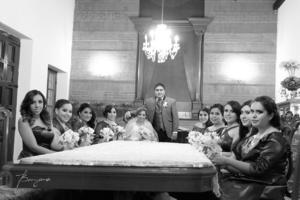 03012016 Arq. Claudia Janeth Domínguez Valadez y Arq. Carlos Estrada Favela en compañía de sus bellas damas.- Benjamín Fotografía