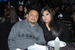 04012016 EN PAREJA.  Salvador y Adriana.